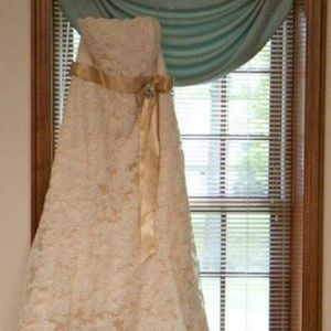 Dresses & Skirts - Lace Wedding Gown